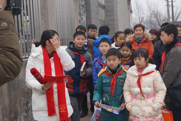 扬州市广陵区新坝小学温暖爱心年前送开展v小学的东京小学日本图片