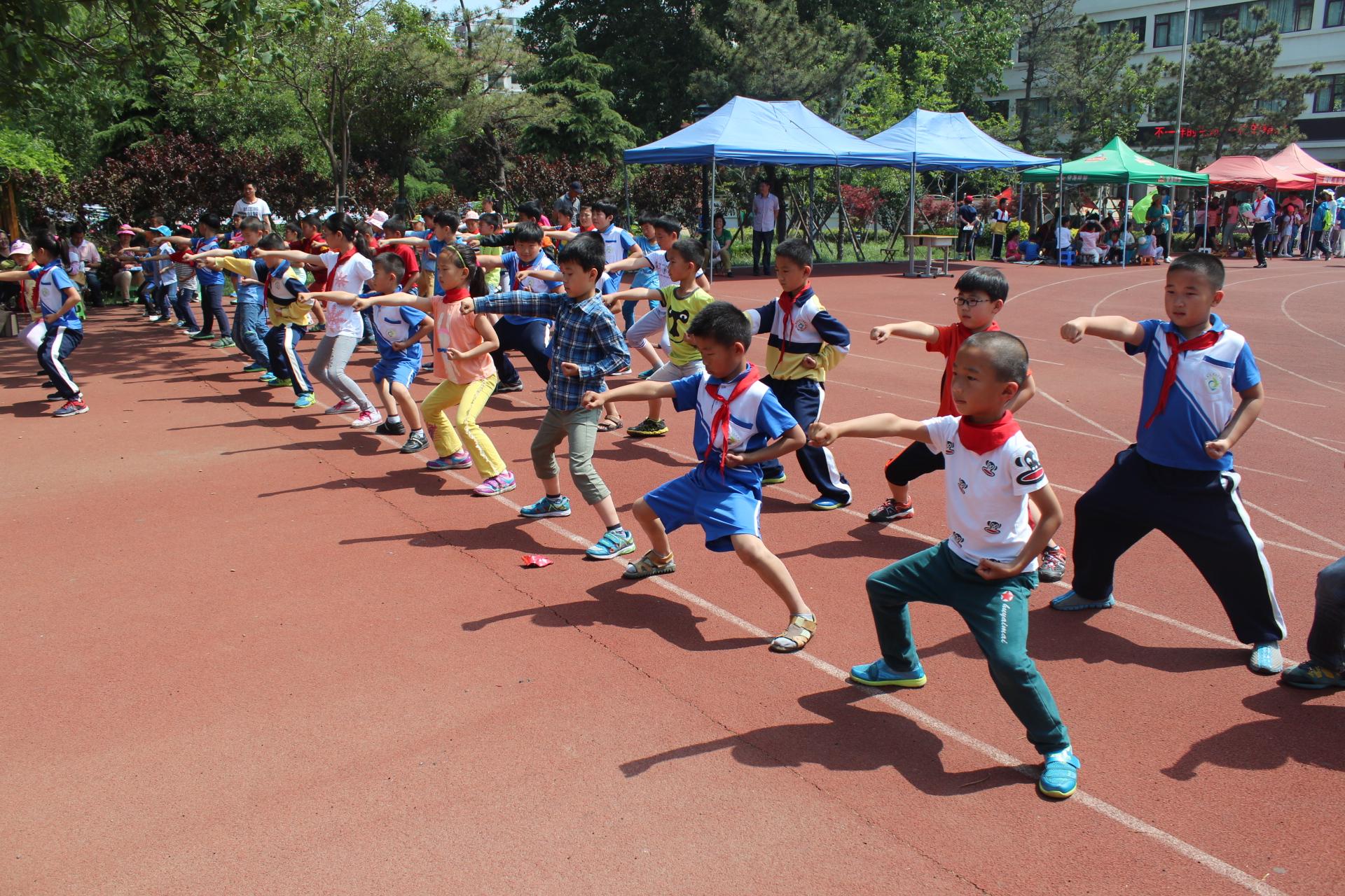 青岛市城阳区第三实验小学庆祝六一v小学-我的小学黎阳图片