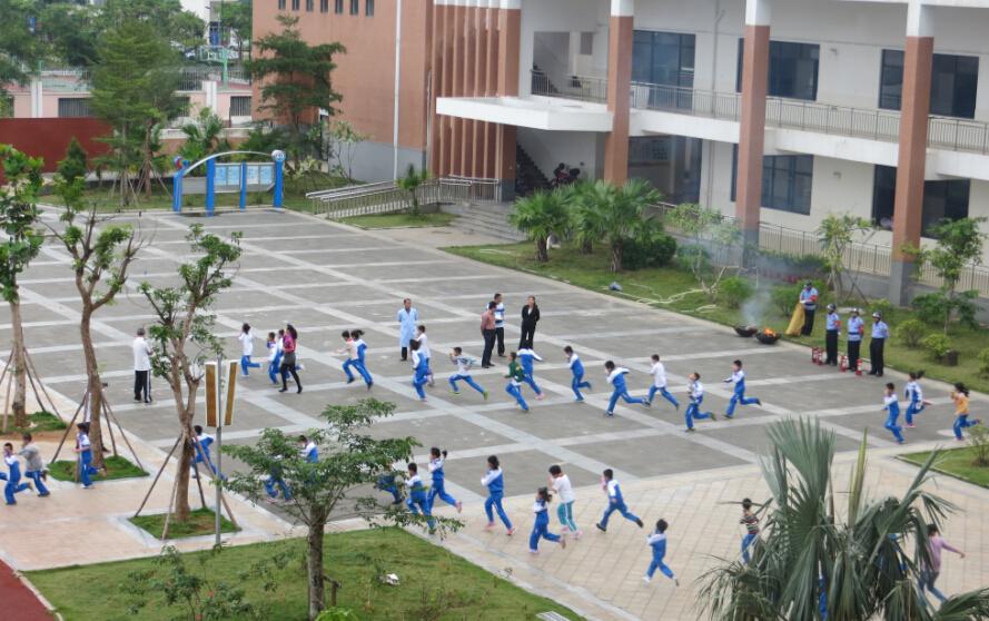 海口市滨海第九小学民防宣传教育进校园活动
