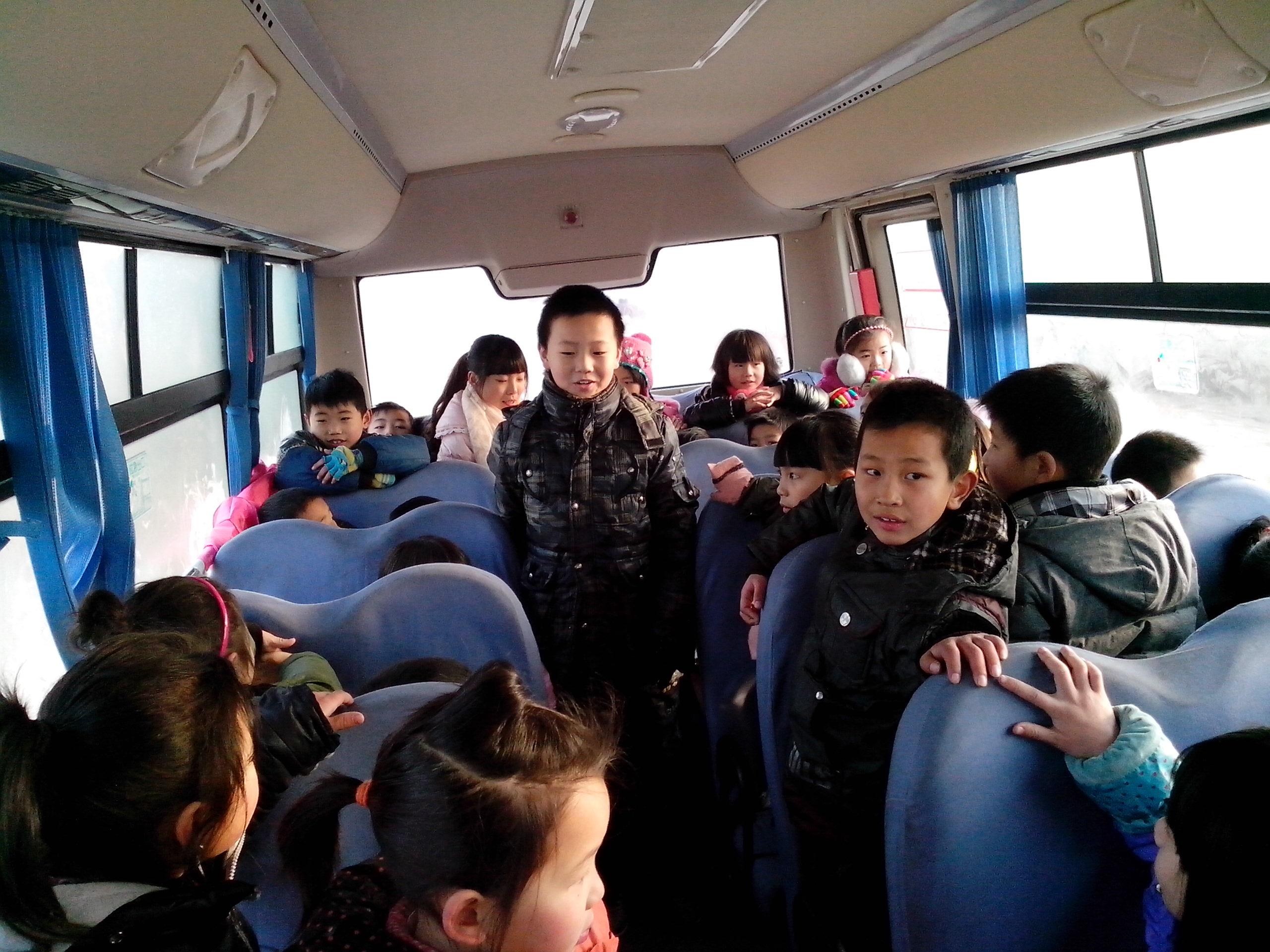 参观飞机场 - 2014年少年儿童媒介素养教育活动