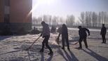 清除校园积雪