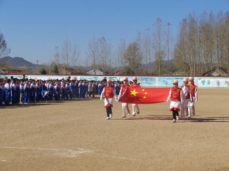 兴安盟科右前旗索伦小学建队日升旗仪式