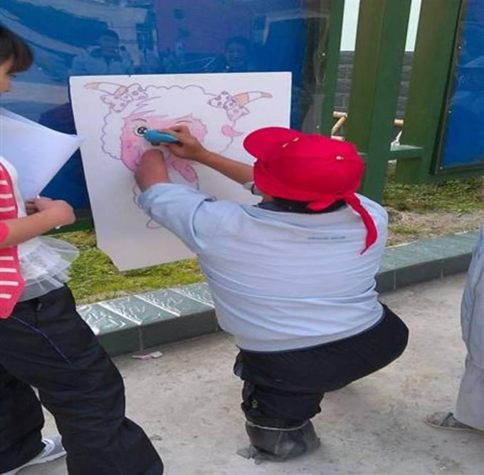 聋哑学校学生开展趣味运动会